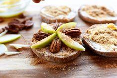 Apple-Pecan Mini Pies (The Pioneer Woman Cooks! Pie Recipes, Dessert Recipes, Desserts, Easy Recipes, Delicious Recipes, Apple Pecan Pie, Pecan Pies, Apple Pies, Pecan Cookies