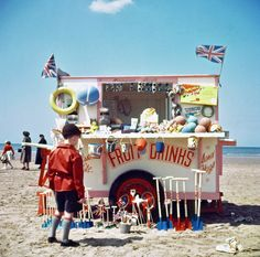 vintage everyday: Wonderful Color Photographs Show the Heyday of Blackpool Beach in the British Beaches, British Seaside, British Summer, Holiday Resort, Beach Holiday, Blackpool Beach, Blackpool England, Typical British, Punch And Judy