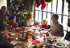 There is no reason for anyone to be left out of holiday meal discussions this time of year. Here are six quick tips to help navigate holiday conversations to ensure loved ones with hearing loss are included. Christmas Dinner Menu, Family Christmas, Christmas And New Year, Christmas Presents, Christmas Tree Decorations, Christmas Holidays, Cheer Party, Happy Friends, Holiday Recipes