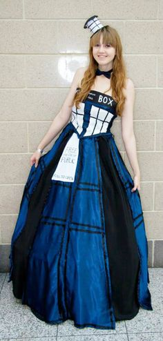 Costumes doctor who tardis dresses on pinterest tardis for Doctor who themed wedding dresses