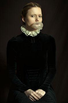 rennaissance portrait moderne 01 610x920 Les accessoires modernes de portraits classiques