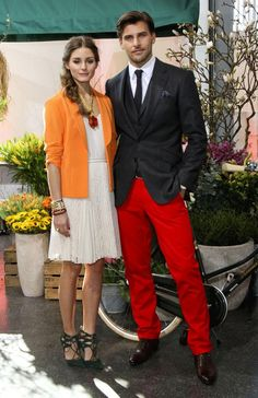 With nods to Spring, Olivia outfitted a sweet, pleated day dress with a bright tangerine-hued jacket and coral jewels then finished the look with a pair of lace-up heels for a presentation in Hamburg, alongside beau Johannes Huebl. Olivia Palermo Outfit, Estilo Olivia Palermo, Olivia Palermo Lookbook, Olivia Palermo Style, Fashion Line, Star Fashion, Fashion Photo, Party Fashion, Estilo Cool