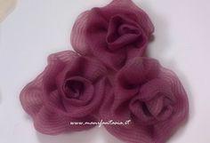 come fare rose di stoffa Fabric Flowers, Shabby, Creative, How To Make, Handmade, Diy, Accessories, Jewelry, Camilla