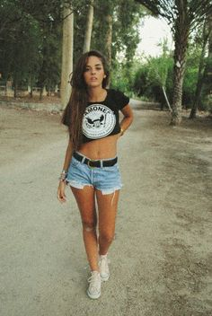 Crop top, denim shorts and cons!