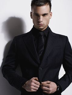 NEW 3 BUTTON VESTED MENS BLACK PINSTRIPE SUIT 795 HIGH QUALITY