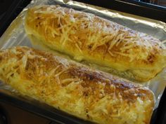 Sýrový závin s nivou a slaninou Hot Dog Buns, Baked Potato, Nom Nom, Tacos, Good Food, Food And Drink, Pizza, Cooking Recipes, Bread