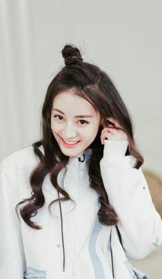 Asian Celebrities, Brunette Beauty, Chinese Actress, Beautiful Asian Girls, Beautiful Women, Kpop, Ulzzang Girl, Keep Running, Sweet Girls