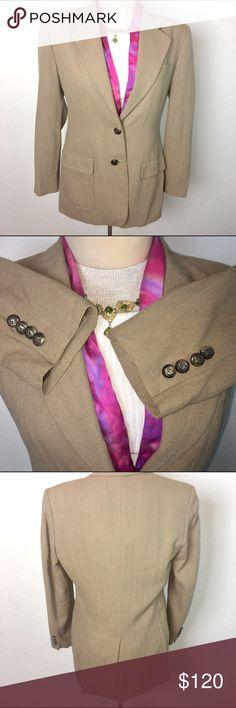Ralph Lauren Tweed Equestrian horse head blazer This blazer is very nice! Authentic horse head buttons! Rare!!! 😍size 10p excellent condition! Ralph Lauren Jackets & Coats Blazers