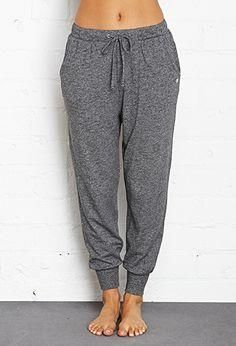 H&M Joggers 🚫NO TRADES🚫 Heather Grey/Blue H&M Joggers/Sweatpants. Size XS- can fit size Small as well with adjustable waist drawstrings. No Flaws! H&M Pants Track Pants & Joggers Fashion In, Fashion Outfits, Petite Fashion, Sporty Fashion, Curvy Fashion, Fashion Women, Style Fashion, Winter Fashion, Casual Outfits
