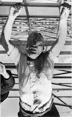 Mussolini's body was disfigured with blows to the extent that his face was almost unrecognizable, something happened with Petacci less. Even dead were subjected to cruel taunts and even were placed next to each other to be photographed in the morgue.