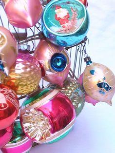 love vintage Christmas ornaments!