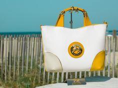 A bolsa perfeita para aproveitar os dias de Verão com estilo! The perfect handbag to enjoy the summer days with style! #Cavalinho #Cavalinhoficial