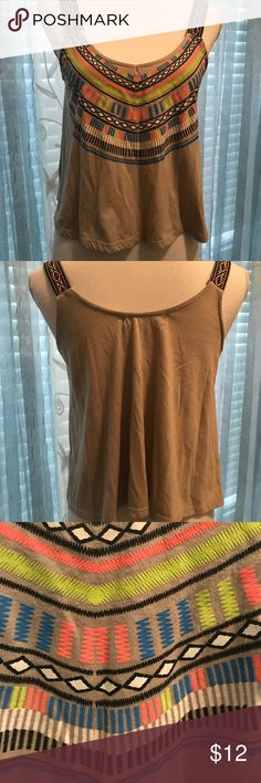 Aztec top Summer top, very nice condition Almost Famous Tops Tank Tops