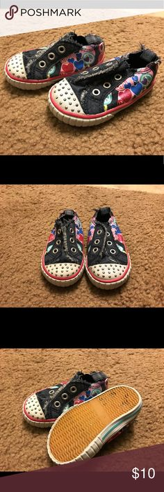 Jumping Beans Shoes Adorable, gently used, shoes! Come from a smoke free home. All earnings from my daughter's stuff I sell go into her savings account! Lots more newborn-toddler clothing, shoes, toys & more listed in my closet! jumping beans Shoes Sneakers