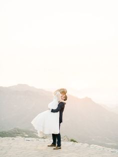 Tuscan-Style Wedding Tuscan-Style Wedding at Malibu Rocky Oaks in California Creative Wedding Photography, Wedding Photography Poses, Italian Wedding Venues, Getting Married In Italy, Bride And Groom Pictures, Wedding Advice, Wedding Ideas, Diy Wedding, Wedding Planning
