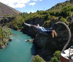 Kawarau Bungy Bridge - New Zealand    www.seasonz.co.nz/index.php/experiences/114-queenstown-adventure-day