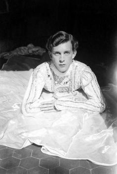 Stephen Tennant by Cecil Beaton, 1927  Tennant was known as a 'languid and beautiful' young man.  Templar is prone when Phryne finds him, with his entourage surrounding him.