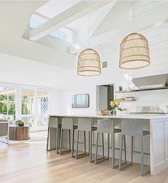 Light bright and beautiful kitchen via @hanleydevelopment