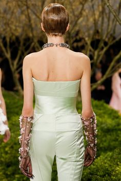 Christian Dior Spring 2013 Couture Fashion Show Details