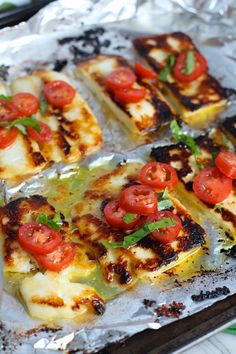 Grilled Halloumi Cheese & Tomato Salad is insanely delicious! Takes minutes to make and is a great appetizer, lunch, or salad. Halumi Cheese Recipes, Hallumi Recipes, Entree Recipes, Summer Recipes, Appetizer Recipes, Cooking Recipes, Grilled Halloumi, How To Grill Halloumi, Cooking Halloumi
