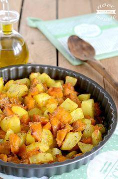 Patate al forno con la zucca (potatoes in the oven with pumpkin) Salad Recipes, Vegan Recipes, Cooking Recipes, Vegetable Side Dishes, Vegetable Recipes, Antipasto, Easy Cooking, Healthy Cooking, Cooking Pasta
