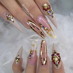 16 Ways to Wear Gradient Nails & Rainbow Nails Spring 2019 Sexy Nail Art, Sexy Nails, Glam Nails, Cute Nail Art, Fancy Nails, Bling Nails, Cute Nails, Pretty Nails, 3d Nail Designs