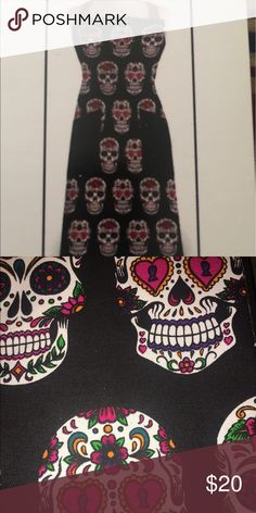 Dia de Los Muertos Apron New with tags, 100 % cotton, new in package   Tags:  Day of the Dead, Dia de Los Muertos, Halloween, Sugar Skull, seasonal  See my other Dia de Los Muertos items! Accessories