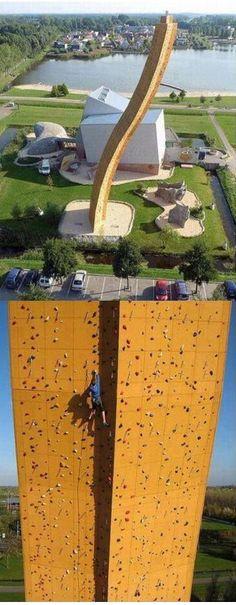 Record du Monde : Le Mur d'Escalade