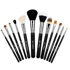 Shop Sigma's makeup brush sets to find a brush combination perfect for your makeup routine. From eye brush sets to face brush sets, Sigma has you covered! Sigma Brushes Set, Sigma Makeup Brushes, Essential Makeup Brushes, Beauty Brushes, Best Makeup Brushes, Makeup Brush Set, Best Makeup Products, Mac Brushes, Beauty Products