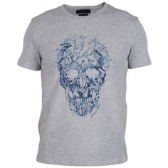 Alexander McQueen Short Sleeve T-Shirts ($180) ❤ liked on Polyvore featuring men's fashion, men's clothing, men's shirts, men's t-shirts, grey blue, mens blue shirt, mens skull t shirts, mens short sleeve t shirts, mens short sleeve shirts and mens skull shirts