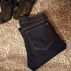 "J Brand Skinnies NWOT dark wash Skinnies. A wardrobe must have.  98%Cotton  2%Spandex   Waist/Hips 26"" Rise 7"" Inseam 29"" A J Brand Jeans Skinny"