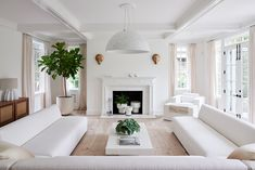 Inside a Bridgehampton home that will make your heart jump. This is 6500 square feet of pure joy. Read on to see the white living room we love Living Room White, Living Room Interior, Living Room Decor, White Bedroom, Living Rooms, Design Blog, Interior Design Studio, Life Design, Hamptons Living Room