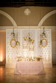 Vintage/shabby chic sweetheart table for wedding