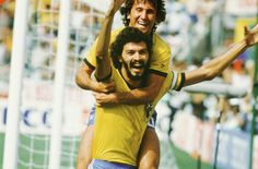 Snapshot Classic: Socrates and Zico, the coolest football partnership in World Cup history? Brazil Football Team, Brazil Team, Best Football Players, Soccer Players, Football Soccer, Zico, France Football, World Cup Winners, Sports Stars
