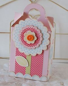 I've always loved this gift box...the colors, scallops, dots, etc.