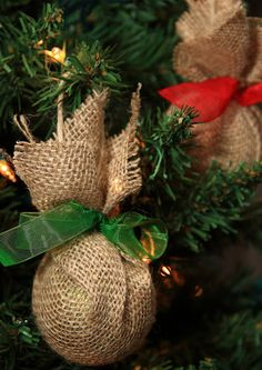 Gwenny Penny: HOTH Day 12: Upcycled Burlap Ornaments with A Simply Klassic Home - 2nd Annual Haul Out the Holly Holiday Event (2011)