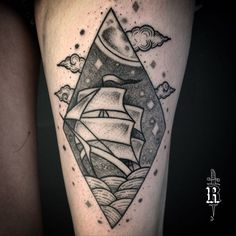 Tatuagem da Júlia.  ---------------- #broncotattoo #tattoo #tatuagem #tattoaria #pontilhismo #dotwork #blackwork #blackworkerssubmission #darkartists #btattooing #curitiba #onlyblackart #inkstinctsubmission #tattrx #Equilattera #tattoodo #ideafixa #electricink #theartoftattoos #InspirationTatto #tattoo2me #blackboldsociety #traditionaltattoo