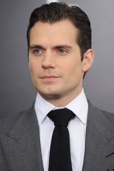 HENRY CAVILL jaw - See best of PHOTOS of the actor