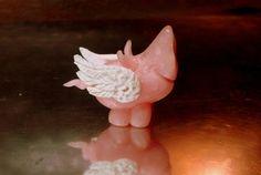 Silvesterschweinderl Modell 2014 Nächstes Jahr lassen wir die Schweine fliegen ;-) Fimo Rosenquarz und Weiss Lucky Pig, Glücksschwein Polymer Clay, Fimo, Pink Quartz, Bows, Scale Model, Projects, Creative, Basteln, Modeling Dough