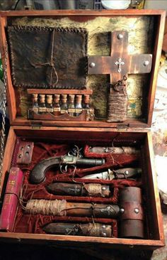 A century vampire hunting kit.You can find century and more on our website.A century vampire hunting kit. Creepy Photos, Vampire Hunter, Rare Photos, Dracula, Larp, Historical Photos, 19th Century, Hunting, History