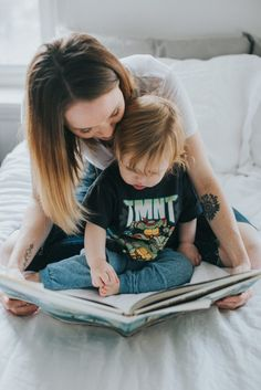 Household Mag. | Reading at home - mom & baby