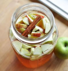 Emma E. Christensen: Fall Recipe: Apple Cider Kombucha
