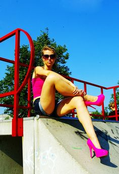 Great fluo colours. Ballerinas in fluo colours. High helles in fluo colours.Nice legs. Sexy style.elikshoe
