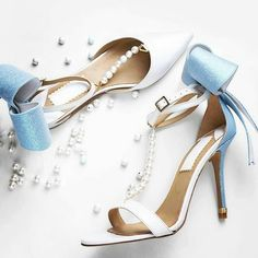 Love it @drunk4fashion :blue_heart: #realshoes#sexy#style#perfect#sandals#trendy#shoes#heels#classy#luxury#lifestyle#fashion#inspiration :blue_heart::blue_heart::blue_heart: #flatlay #flatlays #flatlayapp www.flat-lay.com