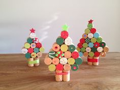 B Making Christmas presents yourself - 35 ideas as inspiration! Handmade Christmas Decorations, Christmas Presents, Christmas Ornaments, Holiday Decor, Fun Crafts, Crafts For Kids, Recycled Wine Corks, Wine Cork Crafts, Craft Day