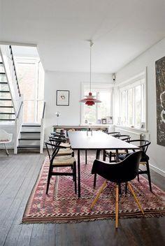rug, chairs, windows, light fixture