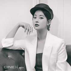 "627 lượt thích, 1 bình luận - Oh Yeon Seo's Drama & Movie (@oys_drama) trên Instagram: ""Photoshoot for Cine21  #오연서#오블리#화유기#진선미#삼장#치즈인더트랩 #치인트…"""