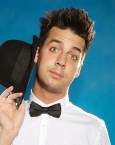 John Crist - was a homeschooled, pastor's kid, when he discovered his talent for making people laugh. He is now a touring stand up comedian who uses clean humor, not the mainstream vulgar jokes and cussing. Really hilarious guy. John Crist, Christian Comedians, Tim Hawkins, Meghan Mccain, Flirting Tips For Guys, Stand Up Comedians, American Dad, People Laughing, Hollywood Life