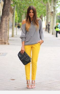 55 Chic Ways to Rock White Skinny Jeans – 99 Fashionable Yellow Pants Outfit, Yellow Jeans, Yellow Clothes, Mode Outfits, Casual Outfits, Fashion Outfits, Womens Fashion, Work Casual, Casual Chic