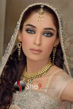 Pakistani Salon - Alle`nora, Gallery of Alle`nora - Alle`nora Beauty Salons , Pakistan Bridal Makeup, Pakistani Hair Stylists Fairy Makeup, Mermaid Makeup, Makeup Art, Indian Party Makeup, Pakistani Hair, Pakistan Bridal, Exotic Makeup, Rave Makeup, High Fashion Makeup